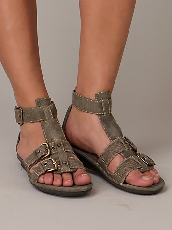 Canvas Buckle Sandal