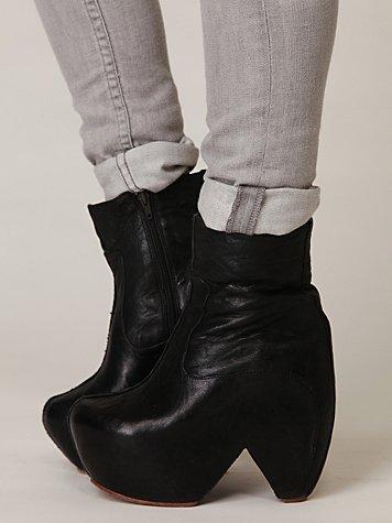 Fatale Platform Boot