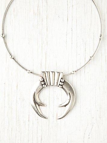 Agyness Metal Collar