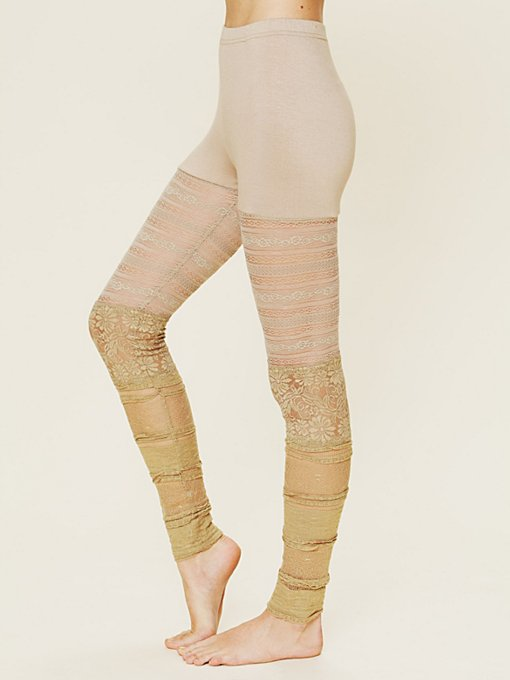 Ruffled Lace Legging