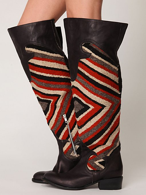 Knightly Blanket Boot