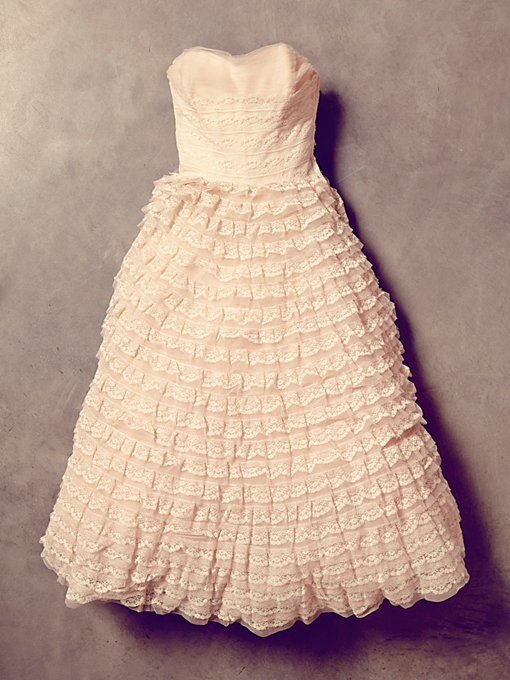 Vintage Pink Tiered Lace Dress
