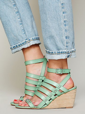 Lily Mini Wedge