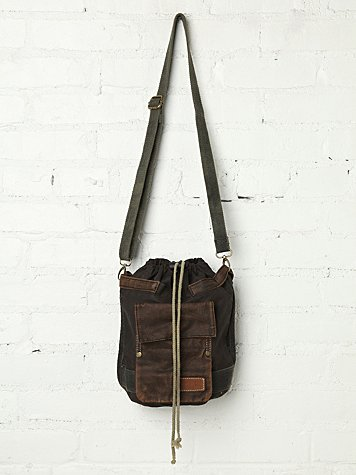 Canyon Bucket Bag