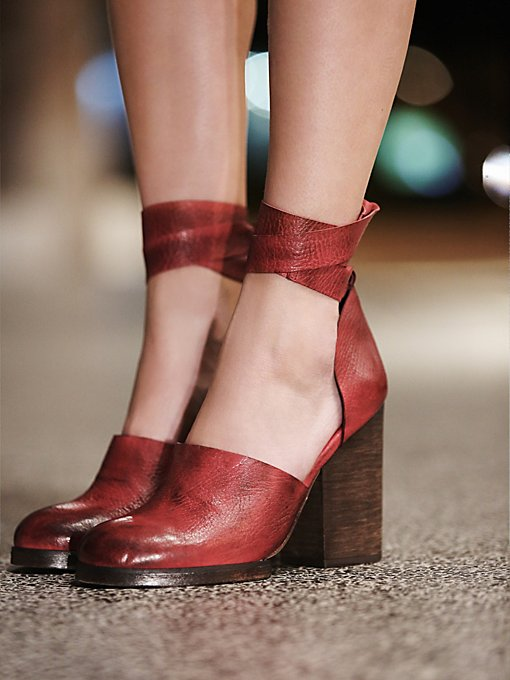 Cora Wrap Heel