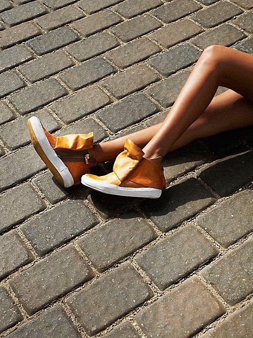 Solera Hi Top Sneaker